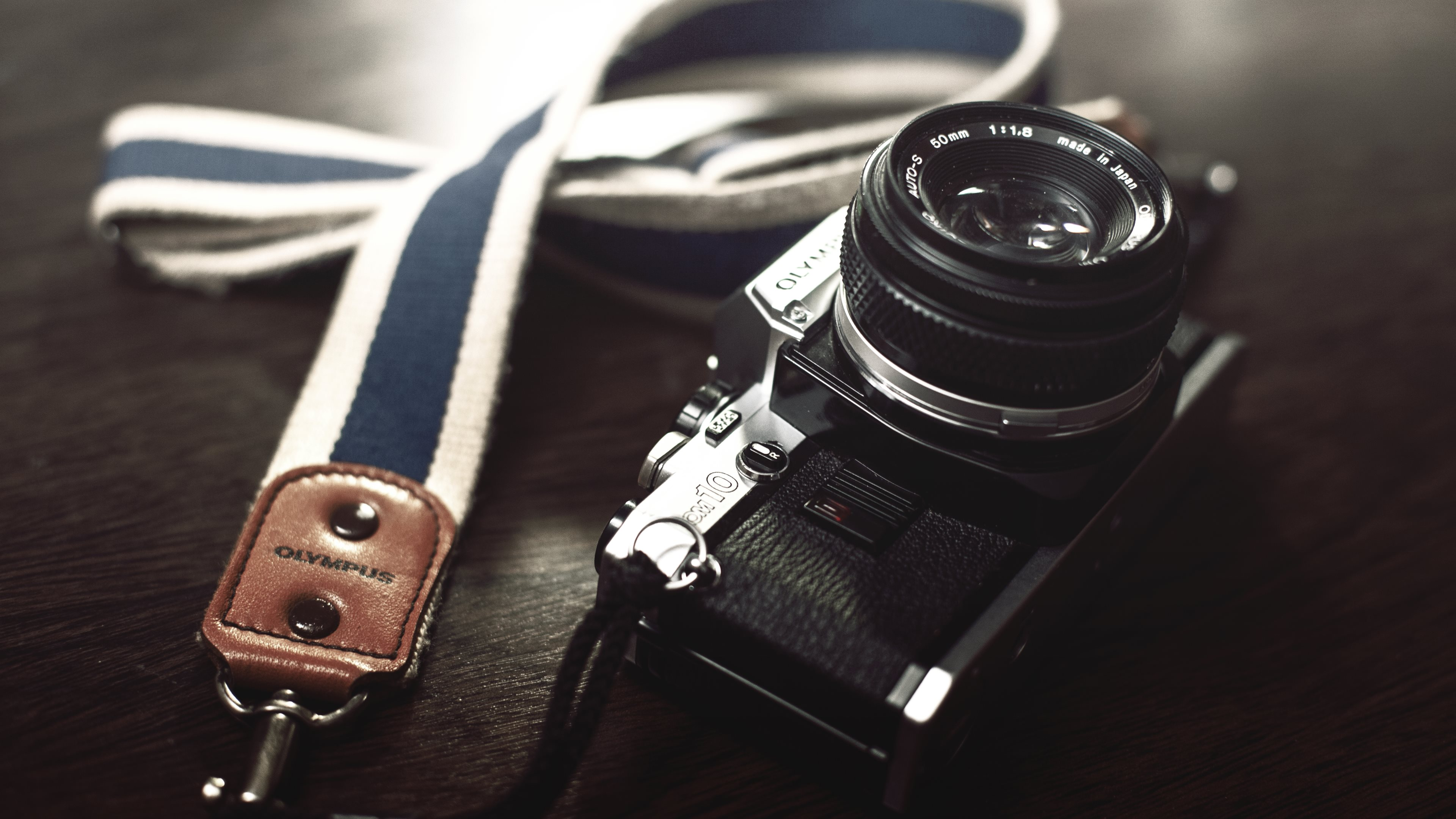 Olympus-Retro-Camera-uhd-wallpapers
